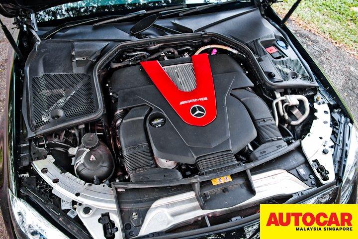 Mercedes-AMG C 43 engine bay