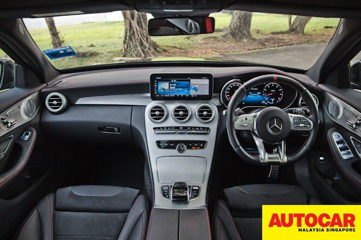 Mercedes-AMG C 43 dashboard view
