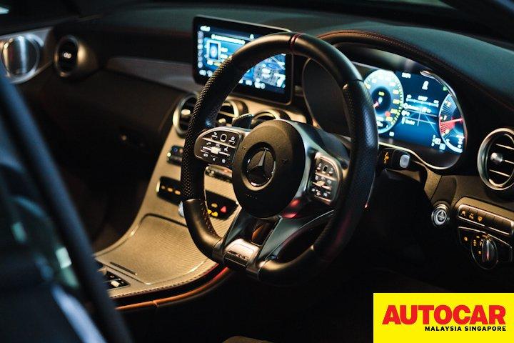 Mercedes-AMG C 43 interior lighting at night