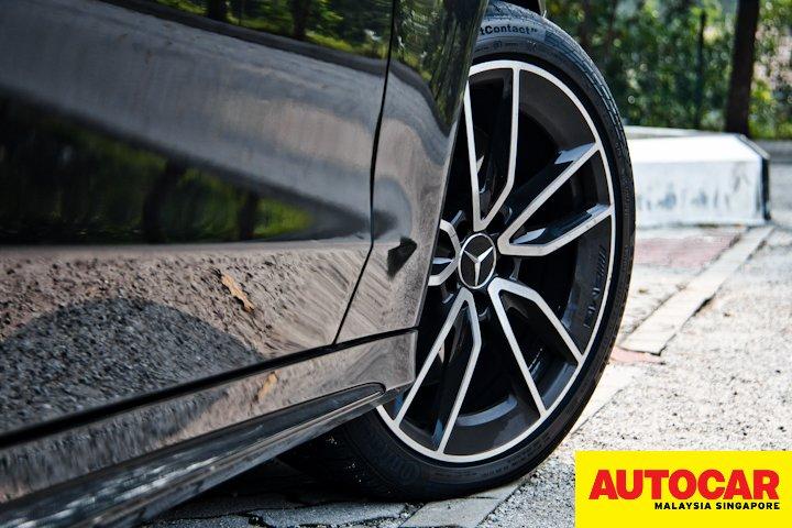 Mercedes-AMG C 43 19-inch alloy wheel