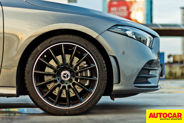 An image of the Mercedes-Benz A250 Sedan AMG Line 18-inch wheel