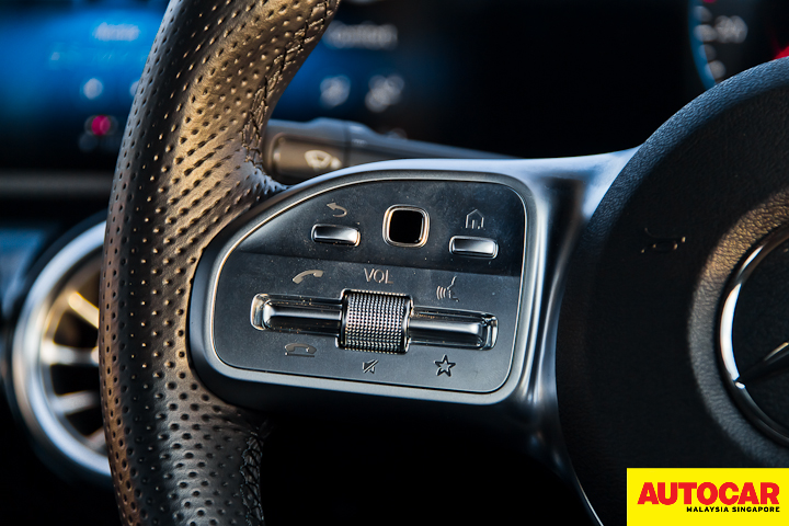 An image of the Mercedes-Benz A250 Sedan AMG Line multifinction sports steering wheel