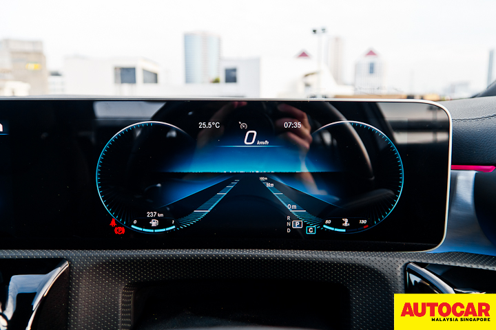 An image of the Mercedes-Benz A250 Sedan AMG digital instrument cluster in Lounge theme