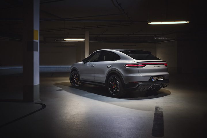 2020 Porsche Cayenne GTS is now back with a V8 engine
